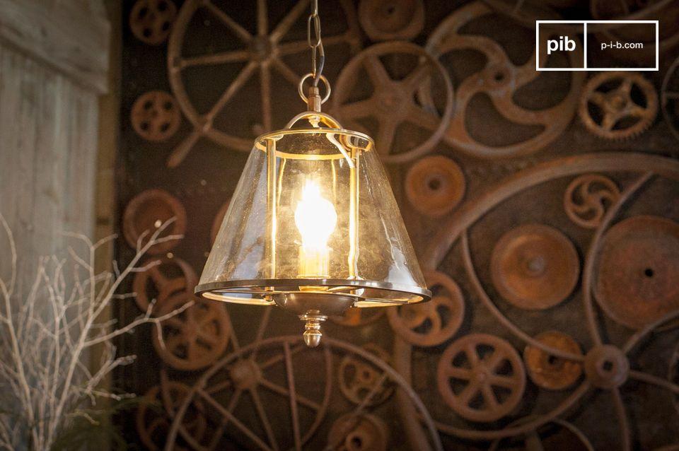 Una luminaria suspendida con un elegante aspecto bohemio