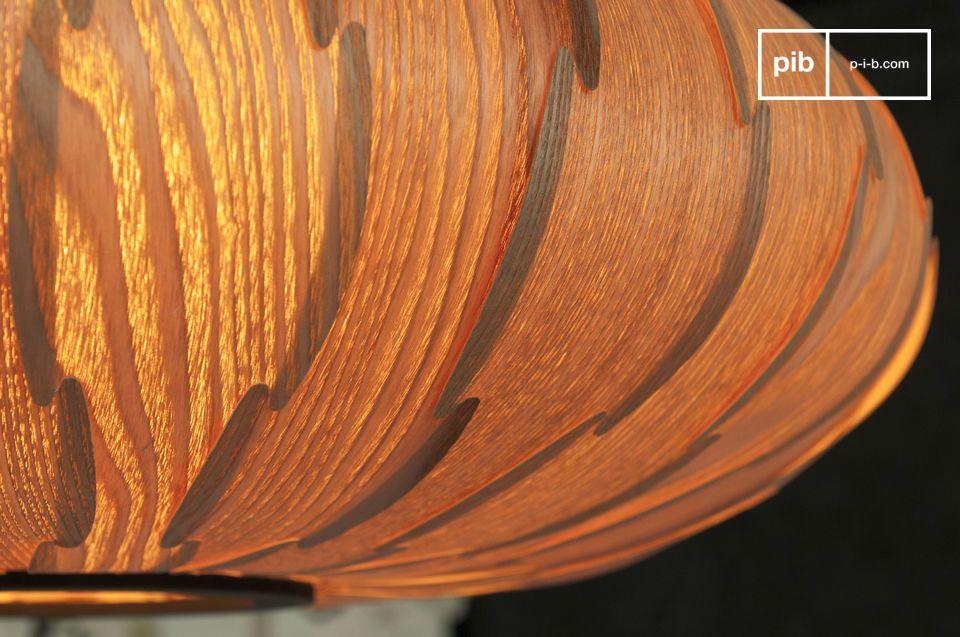 La lámpara colgante Gresskar es una pieza con hermosas formas