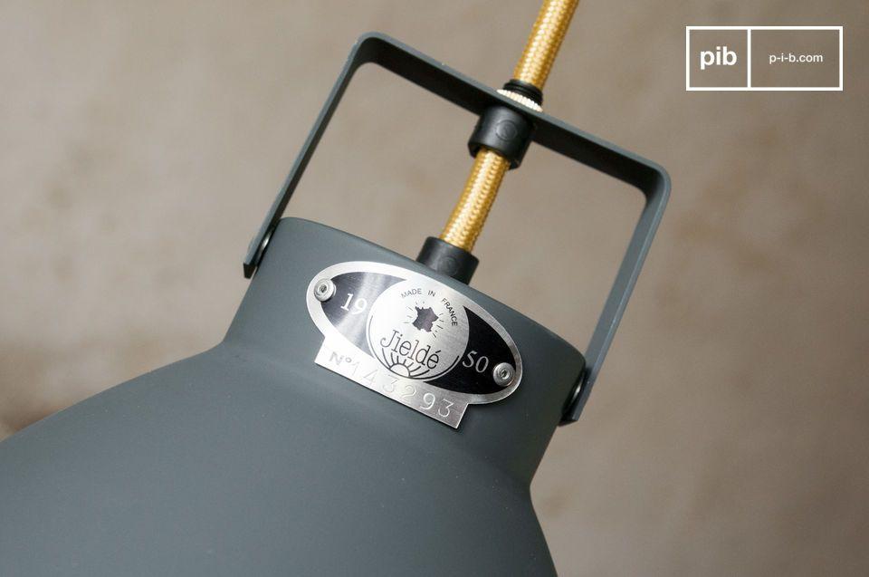 La lámpara colgante Augustin es un digno representante de las lámparas industriales que han sido