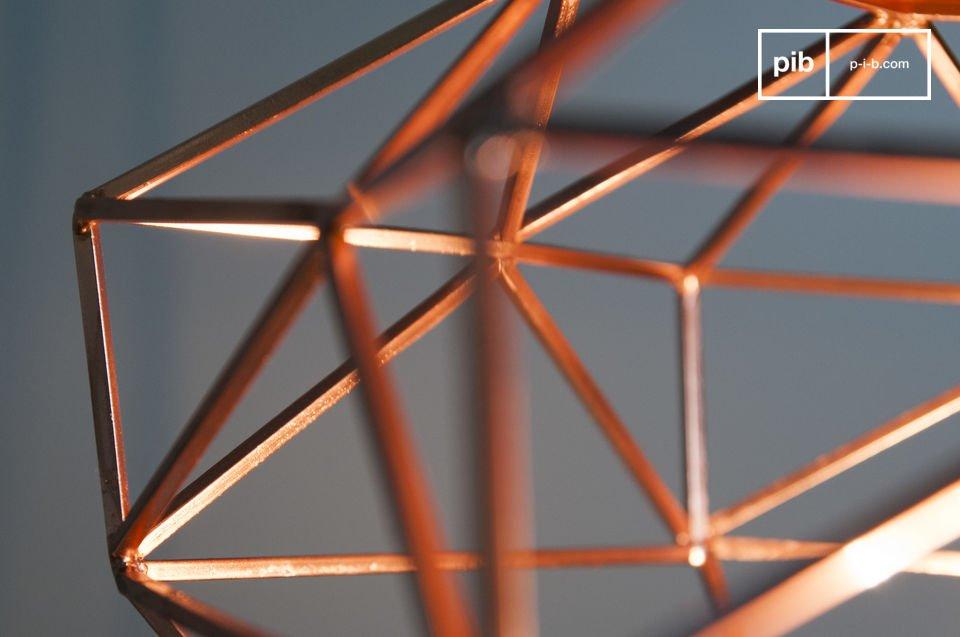 La lámpara colgante Sancy tiene la forma de un hermoso diamante