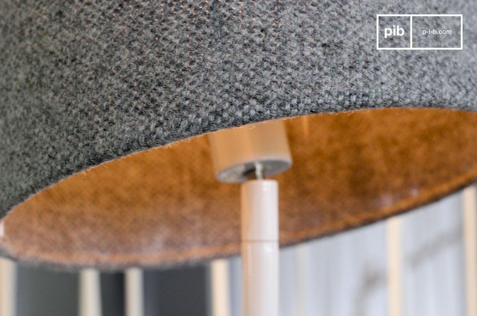 Una funcional lámpara con un hermoso estilo retro nórdico