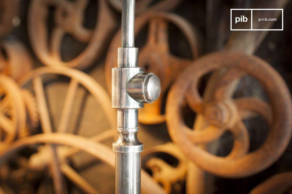 Debajo de su aspecto industrial directamente inspirado en fábricas y talleres
