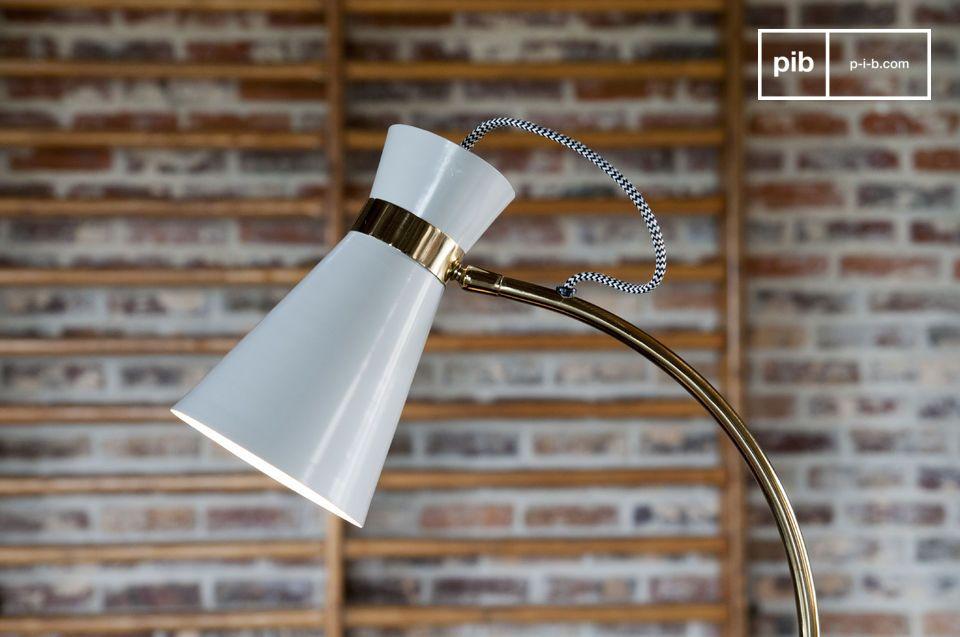 Una lámpara de mesa giratoria que combina el espíritu vintage y el diseño original