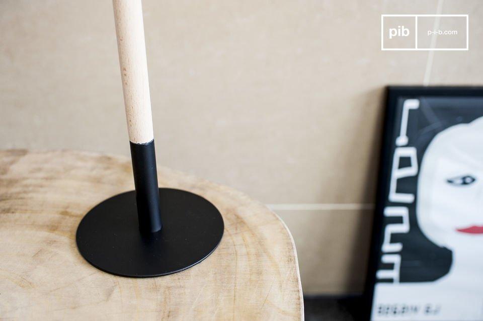 Lámpara con un diseño elegante de color negro