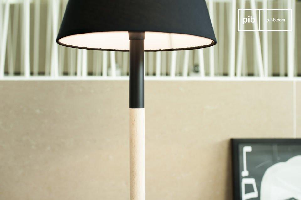 La lámpara de mesa Palito es un elemento que aporta un toque de elegancia minimalista en su hogar