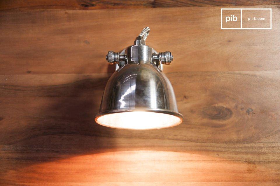 La lámpara de pared Bistro es un espectacular artículo de iluminación