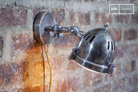 Lámpara de pared tipo faro plateada