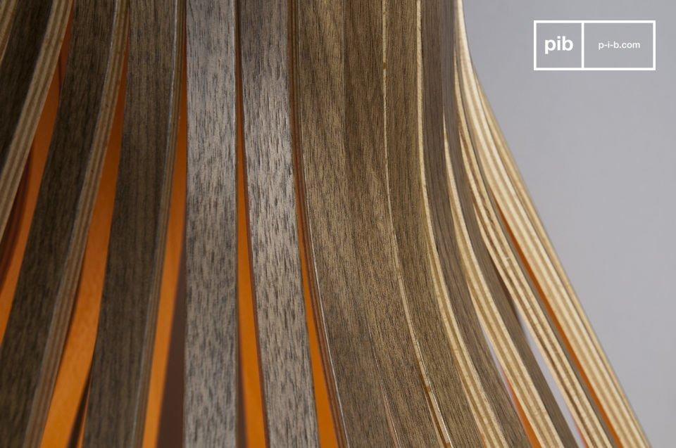 Con curvas casi femeninas y sus 32 listones de madera de nogal será el accesorio más llamativo de