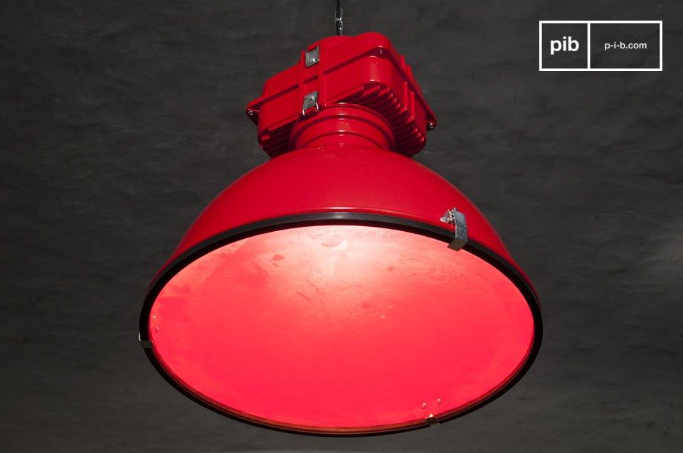 La lámpara de suspensión Dock es un top entre las luces distintivas con diseño industrial