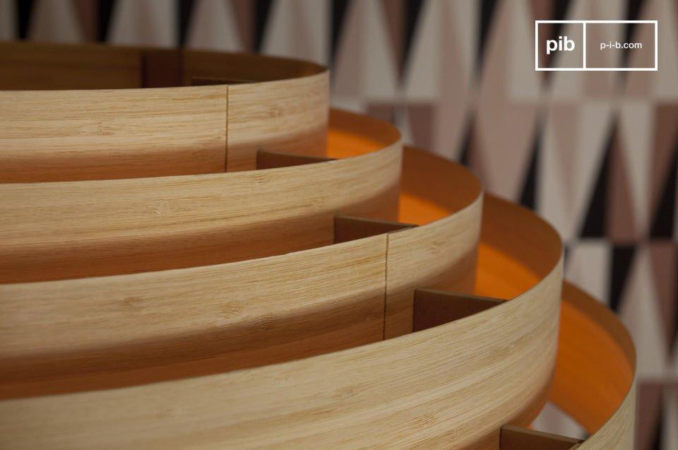 Esta lámpara de techo de bambú tiene un verdadero estilo escandinavo de los años 1950s-60s