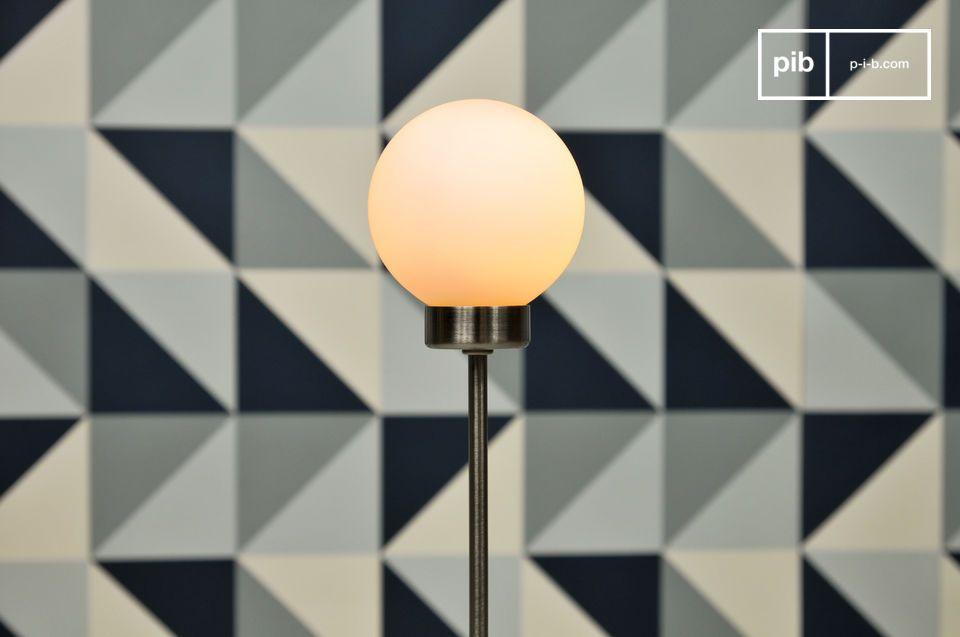 La lámpara estándar Douglas es un artículo minimalista que tiene un hermoso contraste entre un
