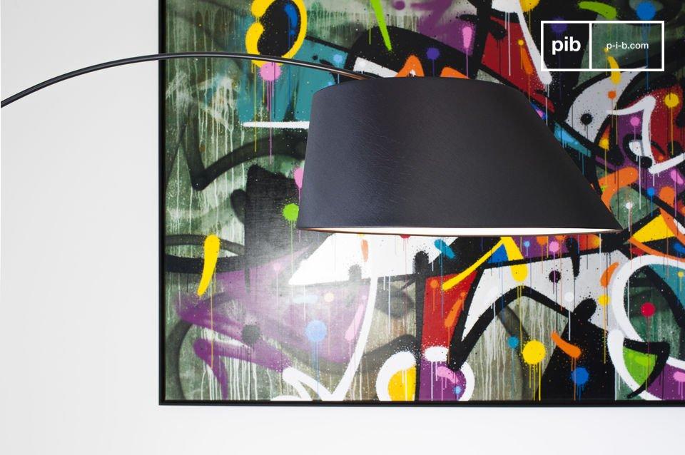 La lámpara estándar Nexö tiene un estilo neo vintage encantadora que reinventa el diseño