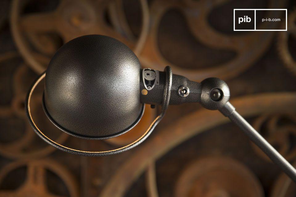 Ilumine sus interiores con este icono de la lámpara Jieldé estándar del estilo industrial