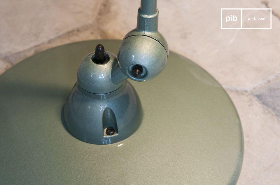 Una icónica lámpara con todo el diseño industrial del siglo 20