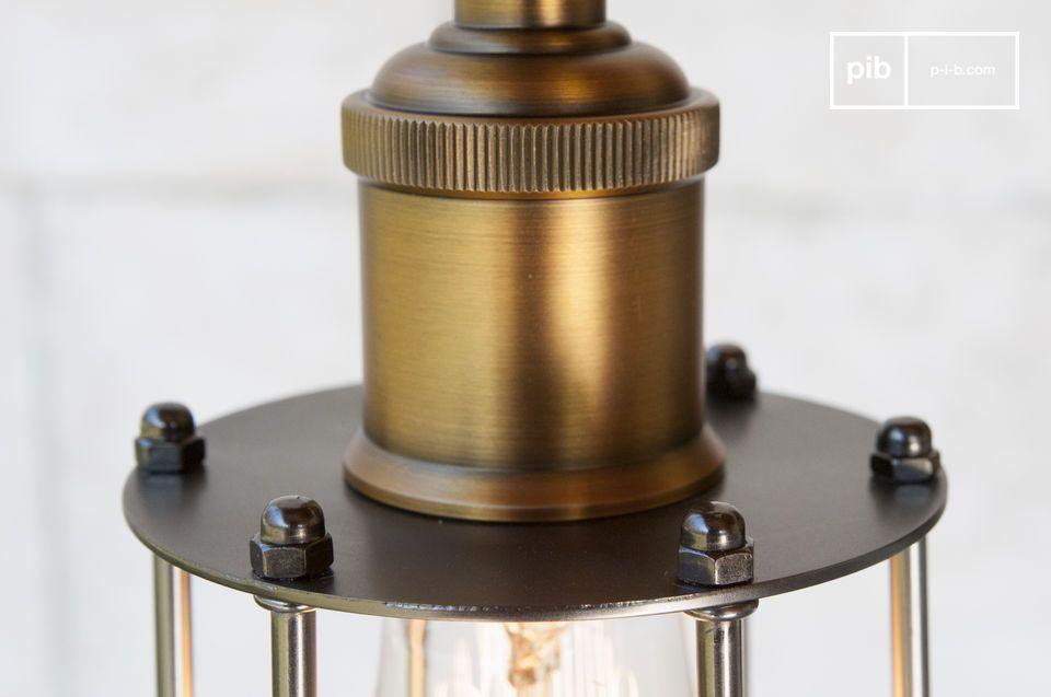 Magnífica luminaria suspendida de estilo industrial que combina un toque de elegancia con un