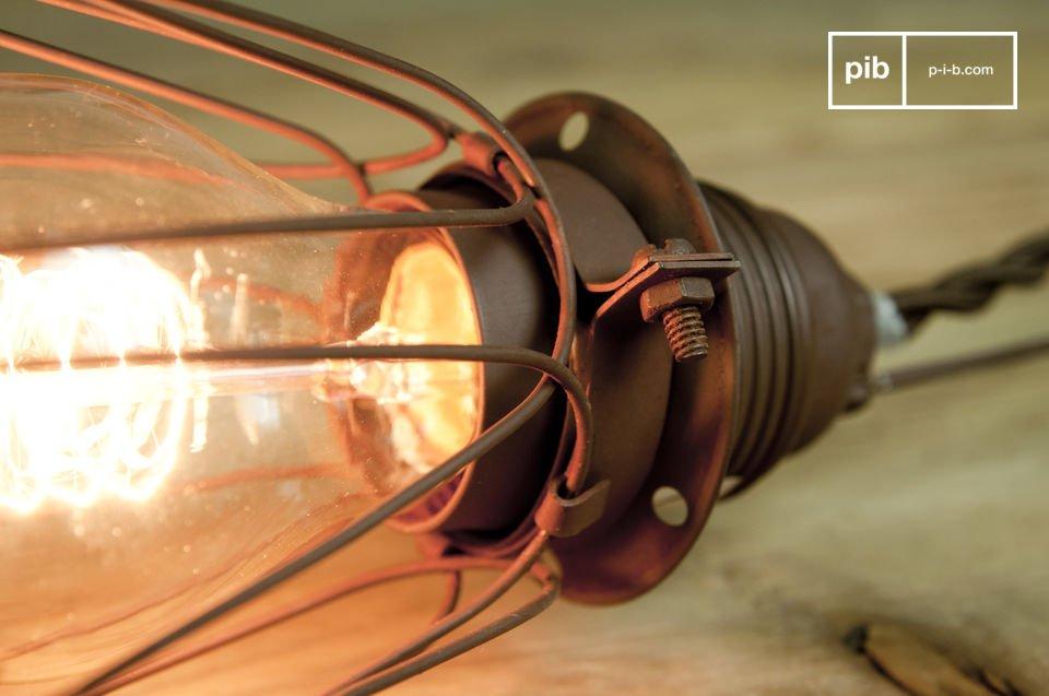 La lámpara portátil Olympia es una lámpara vintage ideal para una cocina estilo taller