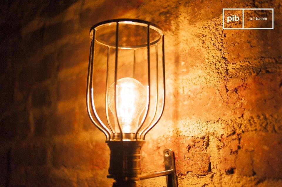 Lámpara de madera y metal con todo el estilo vintage
