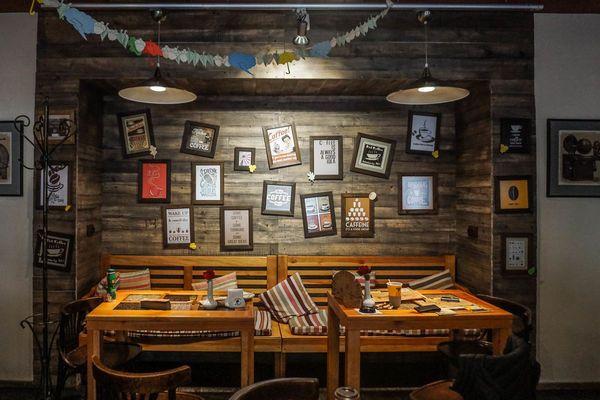 Lámparas vintage en un restaurante