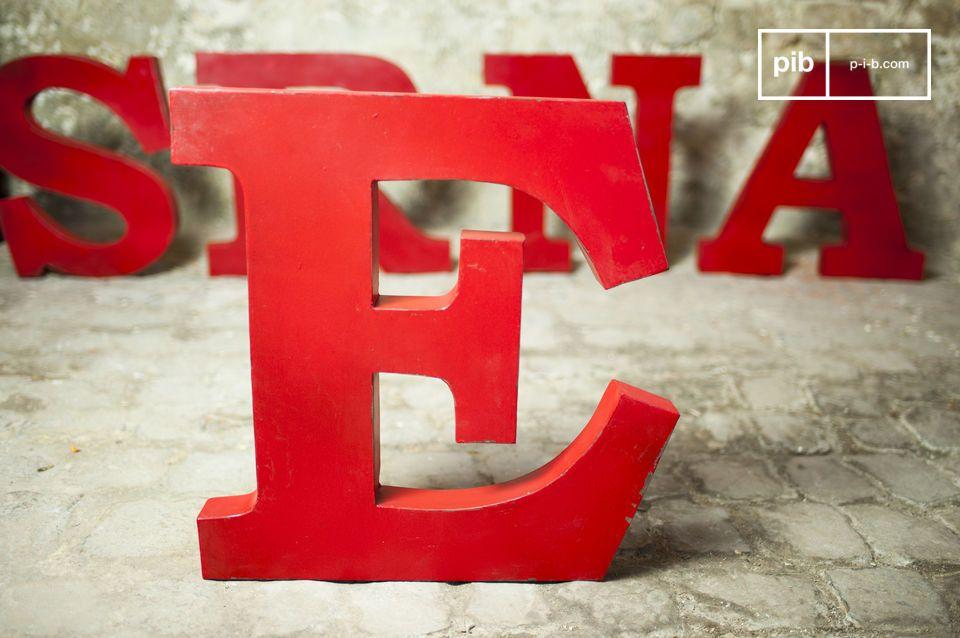 Letra decorativa E