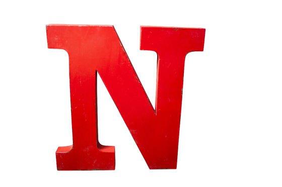 Letra decorativa N Clipped