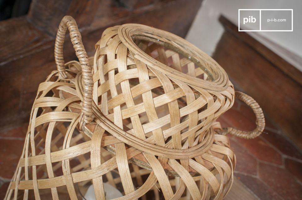 La linterna de bambú Saïgon tiene una estética ordenada y atemporal que le permite integrarse en