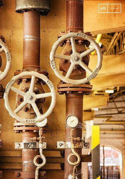 Los metales como el hierro, el cobre, las latas, el acero y el aluminio combinan perfectamente con el estilo industrial.