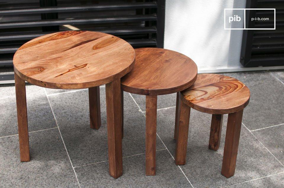 Mesas de hermosa madera maciza