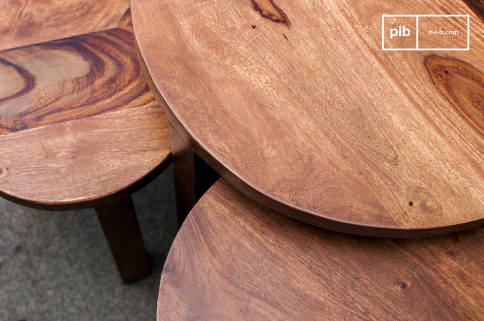 La mesa apilable de 3 piezas Roza complementará su interior perfectamente