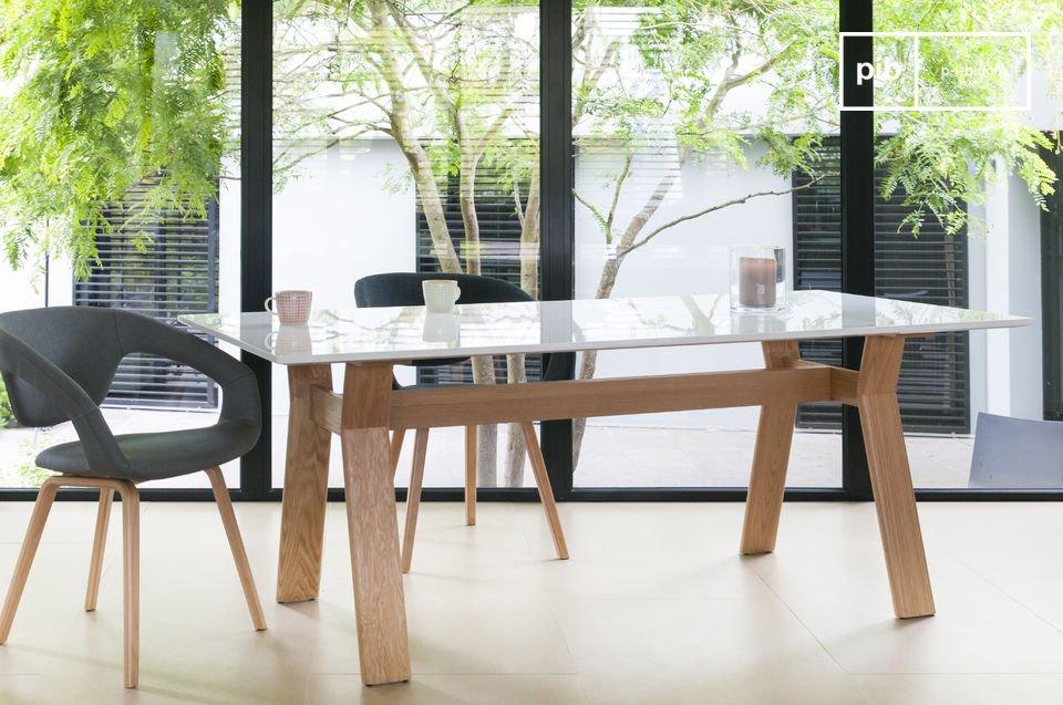 Esta mesa está hecha para disfrutarla todos los días gracias a su estética y formas prácticas