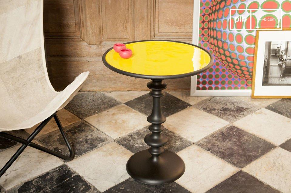 La mesa auxiliar Alice es una hermosa pieza de mobiliario que le dará un toque de la decoración