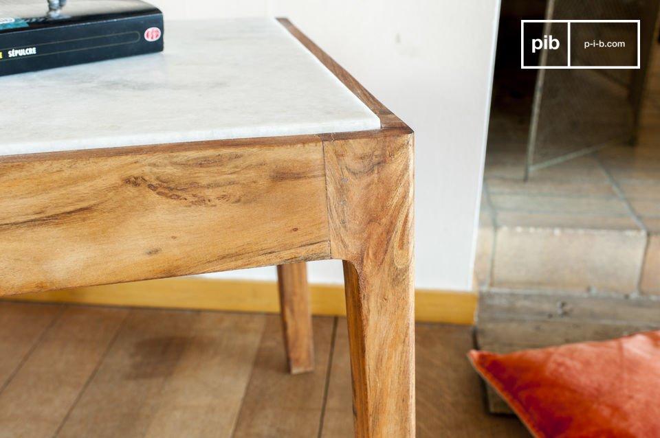 Le encantará la mesa auxiliar cuadrada Marmori por su estética refinada