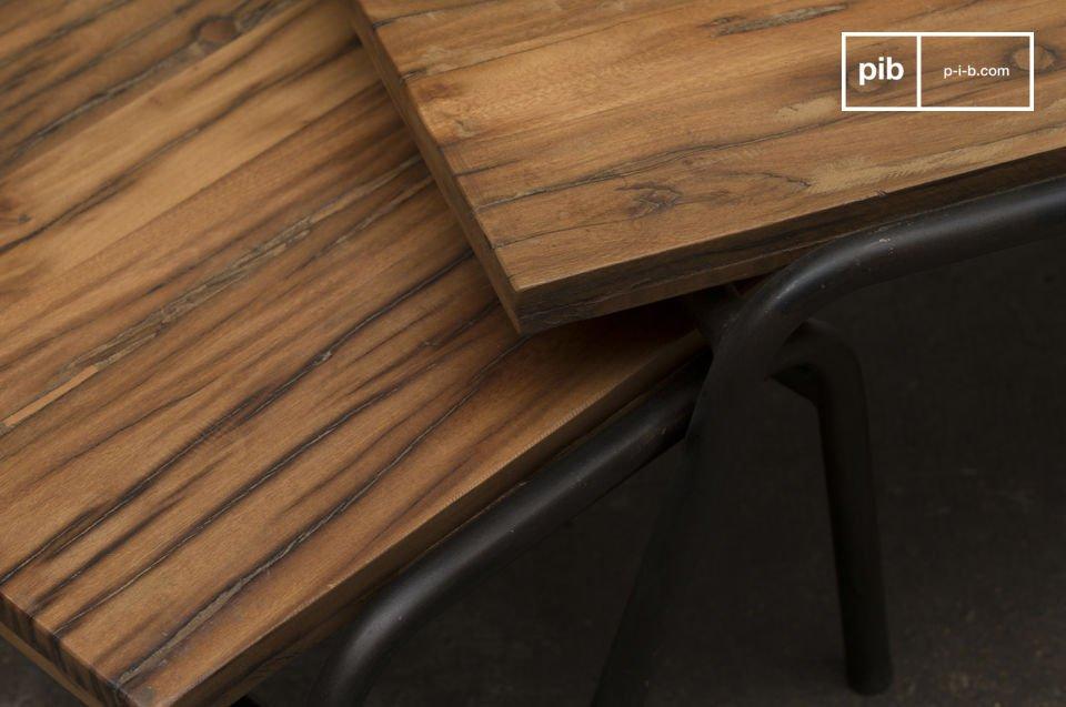 Acero y madera en bruto con una línea sobria