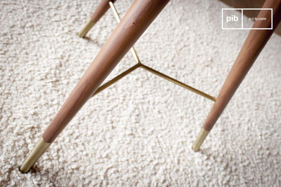 El resultado es de gran elegancia, perfecto en una sala de estar cerca de un sillón o sofá