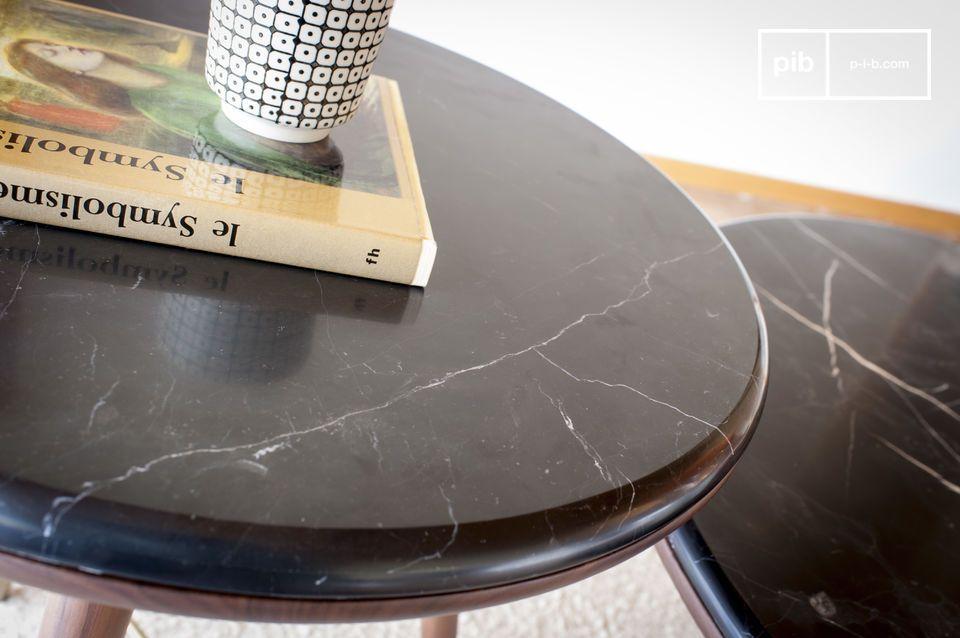 Las patas estilo compás se refieren a los muebles producidos a principios del siglo XX