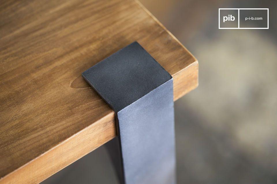 Esta mesa alta tendrá cabida en cualquier estilo de interior