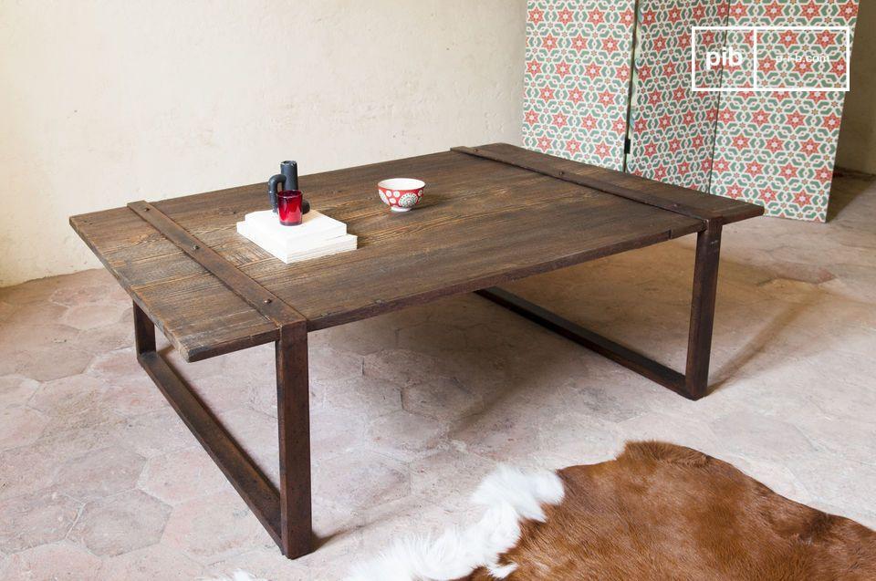 Fuente de madera maciza y antigua, para una mesa 100% industrial