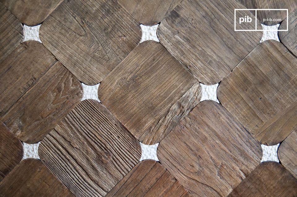 Hecho de cuadrados de madera con bordes redondeados que dejan pasar la luz sutilmente