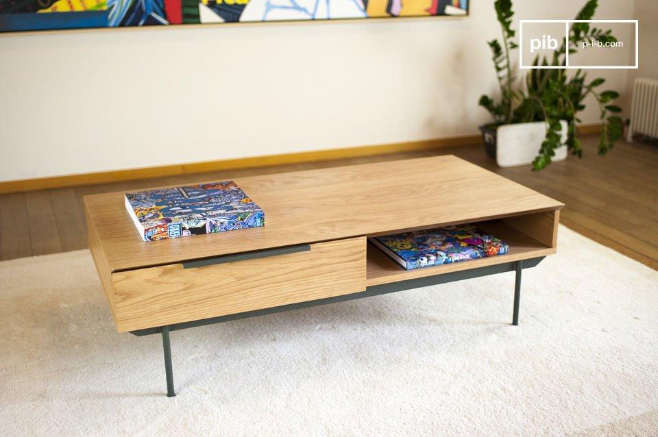 Una mesa práctica de color elegante.