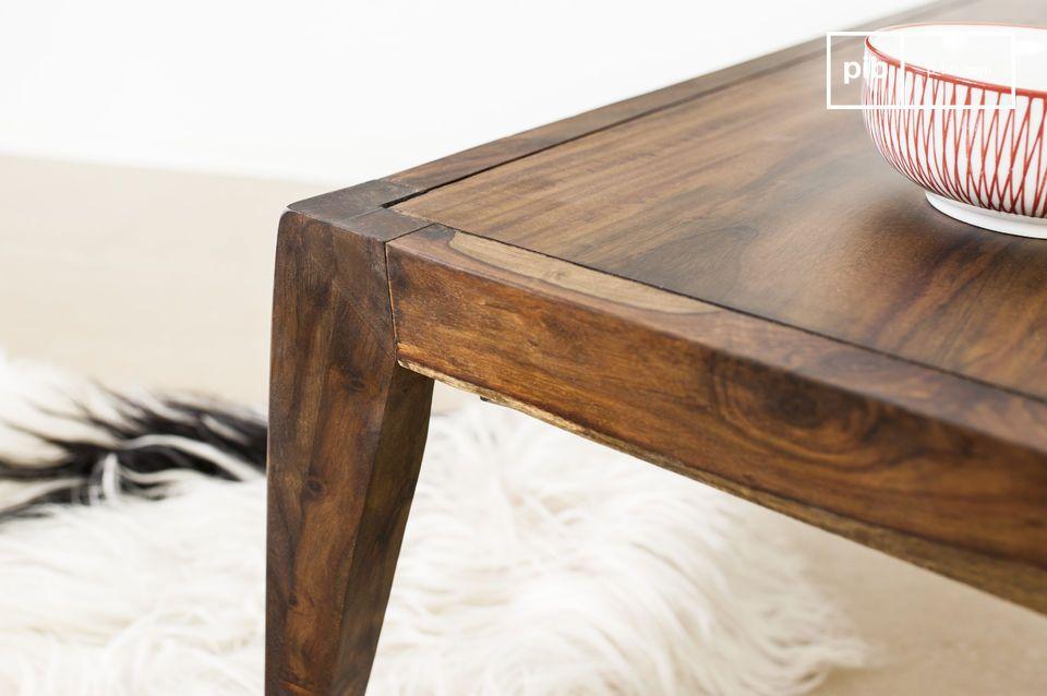 La mesa de centro Kitell es una hermosa pieza de mobiliario que le dará un toque de elegancia a su