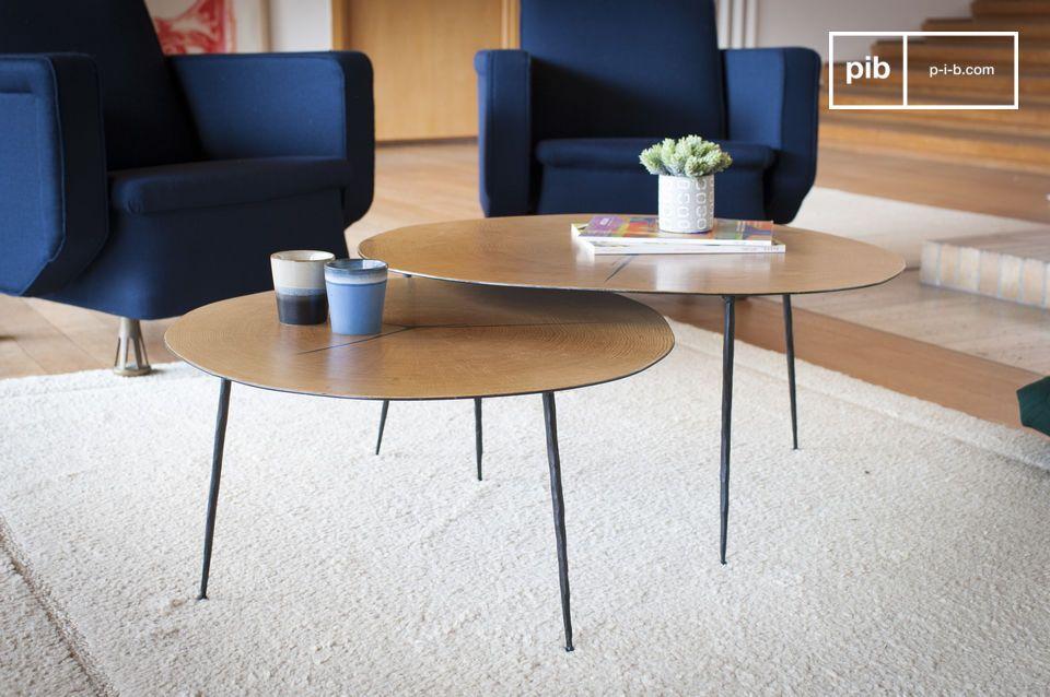 Una mesa gráfica y líneas de luz que combinan madera y metal