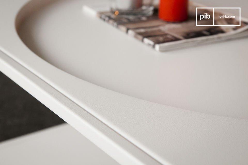 La mesa de centro Nölbis hecha completamente de metal de color blanco mate