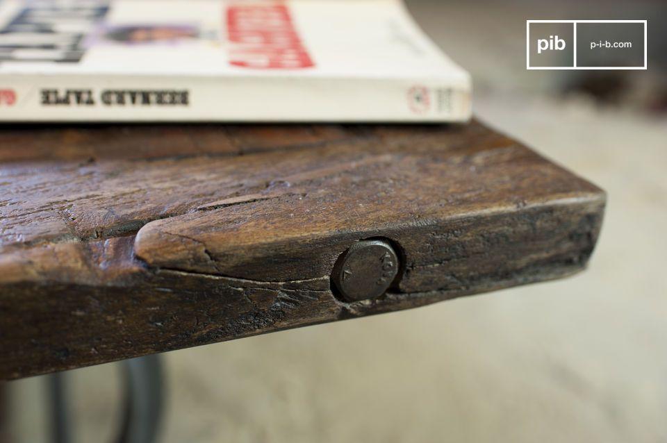 La mesa de centro Tonnel es una hermosa pieza de mobiliario; un digno representante del diseño