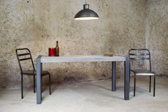 Mesa de comedor de teca reciclada