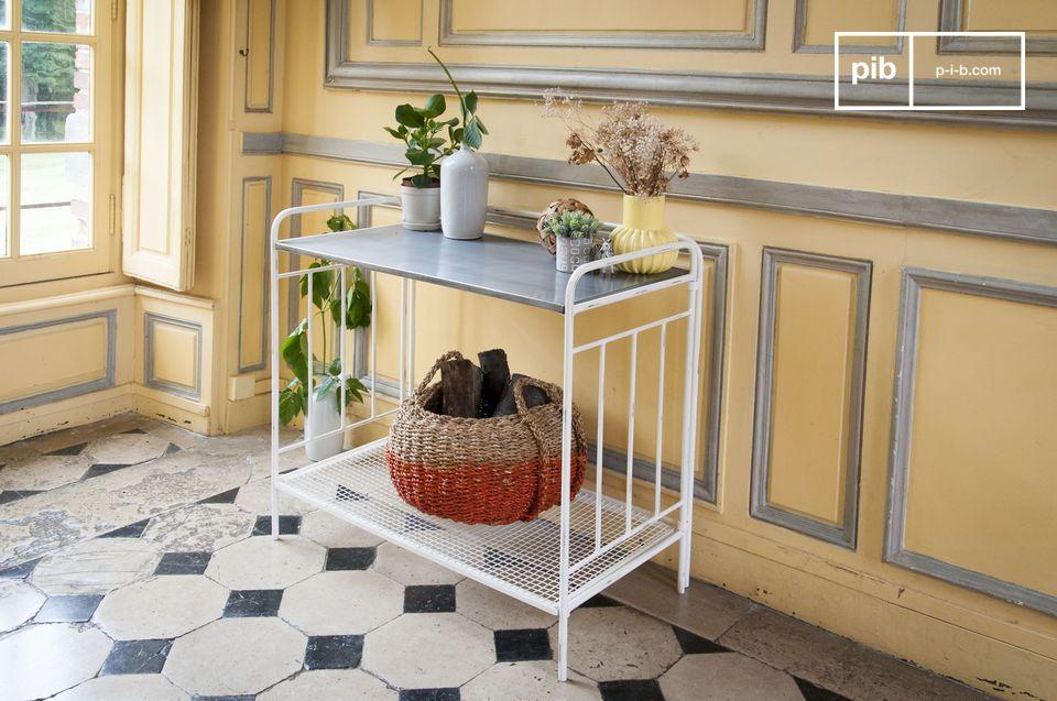Una mesa 100% metálica, estética y versátil