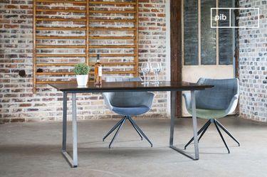 Mesa de madera barnizada Espazio