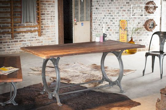 Mesa de teca antigua Tonnel