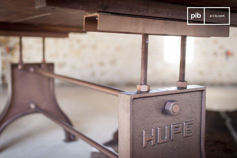 Esta mesa comedor industrial es original y se caracteriza por proporciones extremadamente