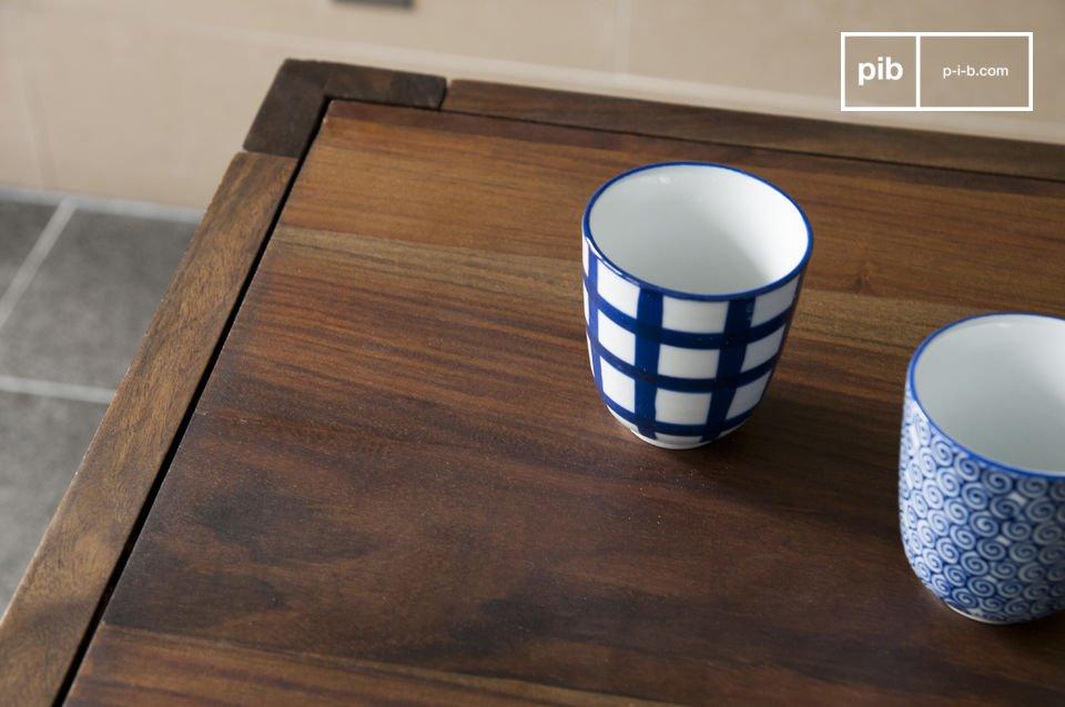 El comedor Kitell es una mesa que aportara un toque de la elegancia a sus comidas