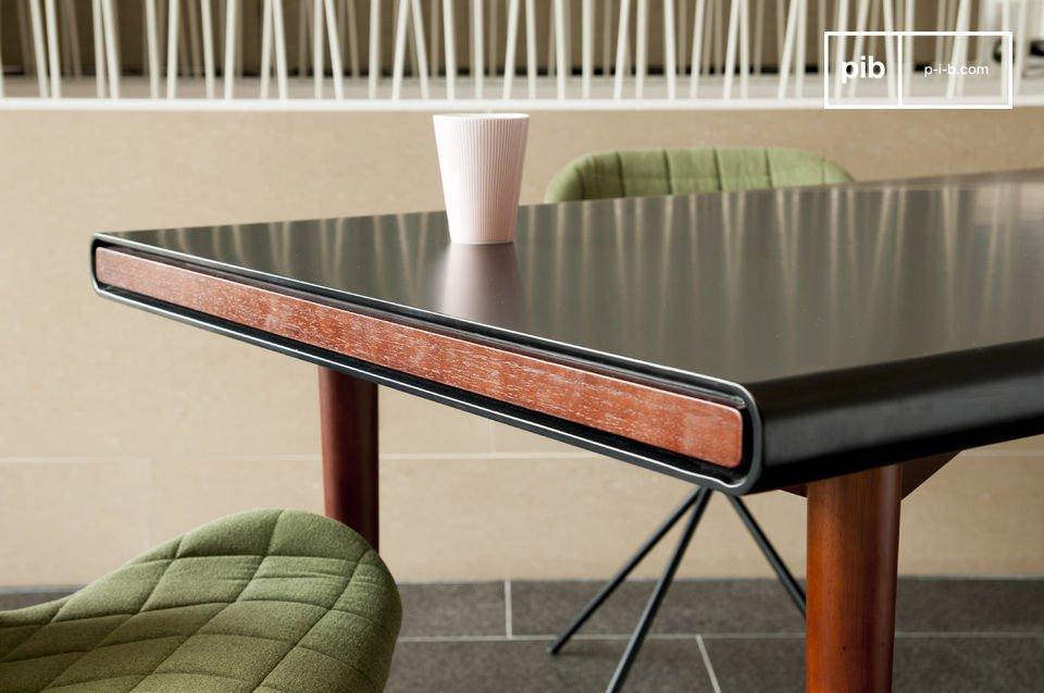 La elegancia de una hermosa mesa con el diseño retro nórdico