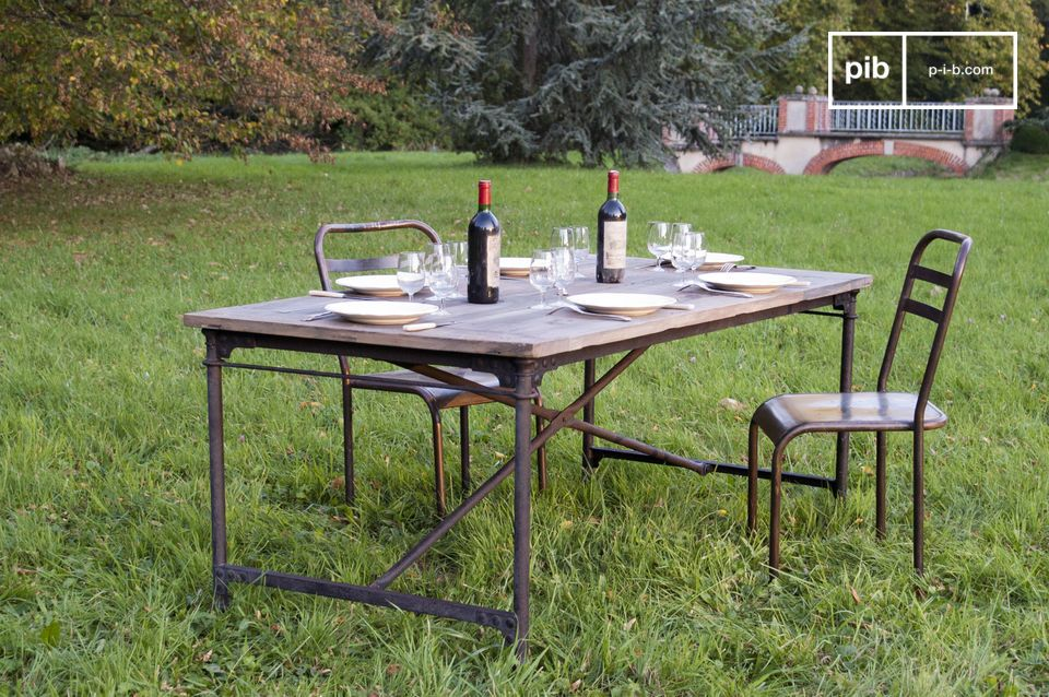 La mesa tapiz tiene un simple objetivo: disfrutar estar en ella, incluso antes de empezar a comer